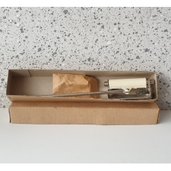 Vintage deursluiter in doos